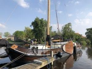 "Die Tjalk ""Syl"" im Hafen von Gaastmeer"